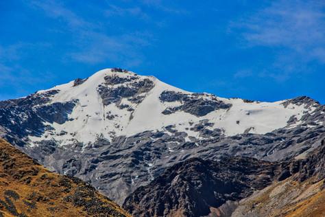 Apu Chimboya (5489 m)
