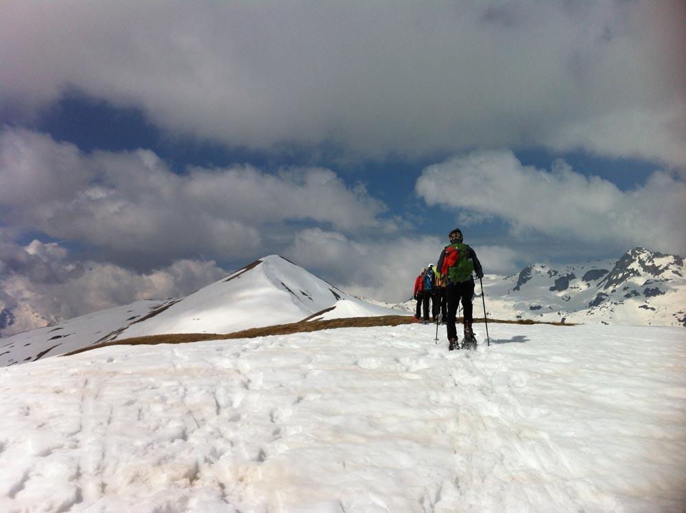 En progressant vers le sommet