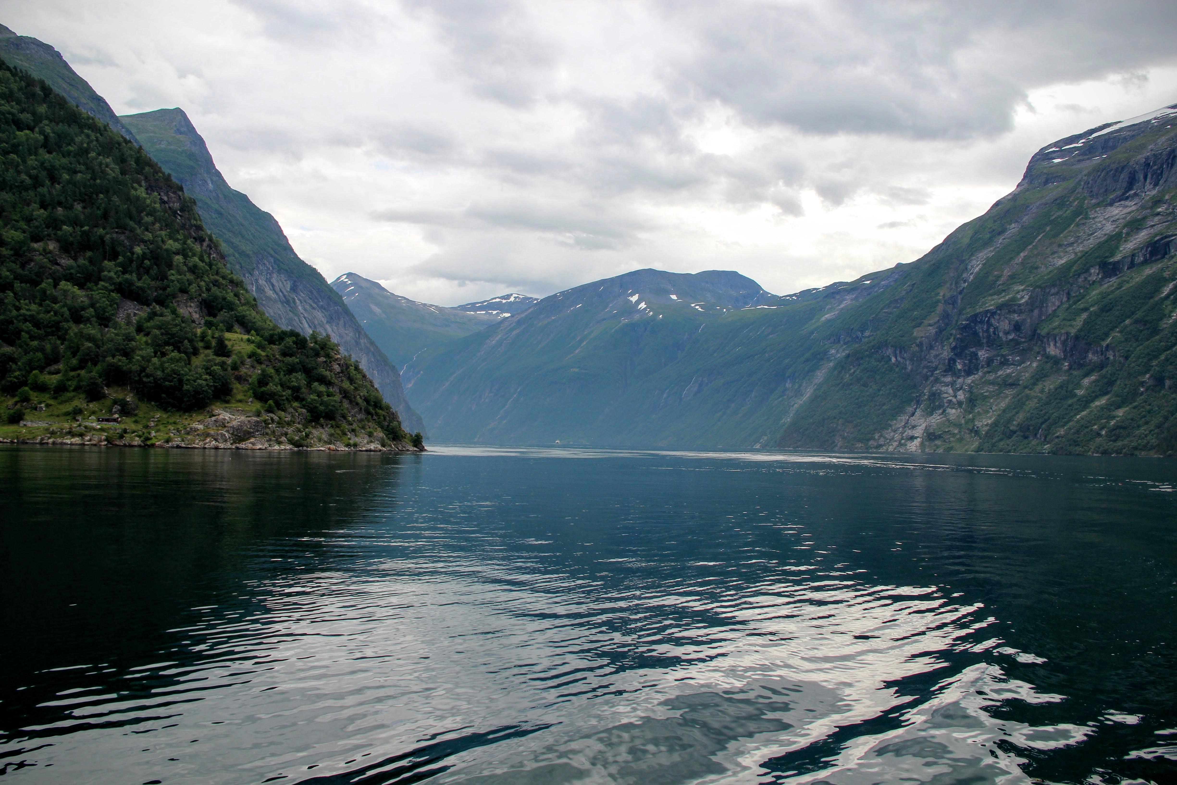 La courbure du Geirangerfjord