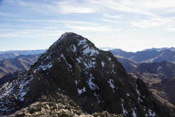 Le sommet de la Pique d'Estats depuis le pic Verdaguer