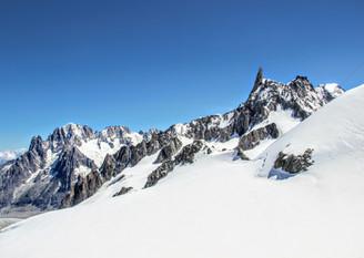 Le bassin glaciaire du Géant depuis la pte Helbronner.