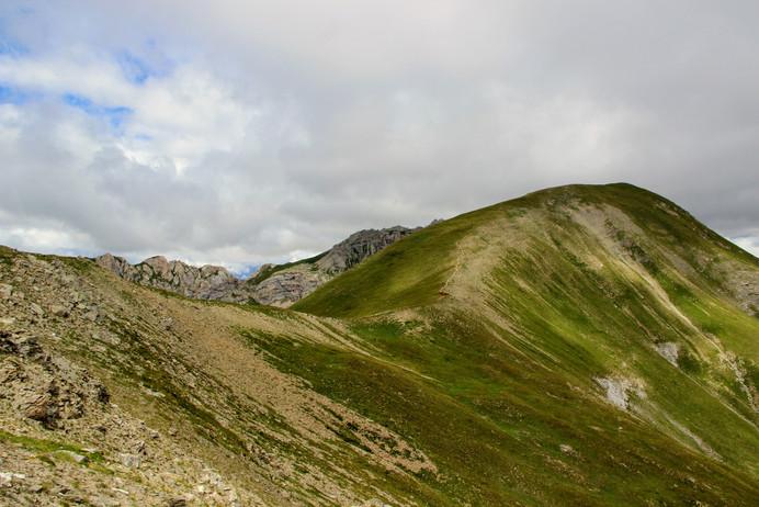 La crête menant au pic du Gazon (2744 m)