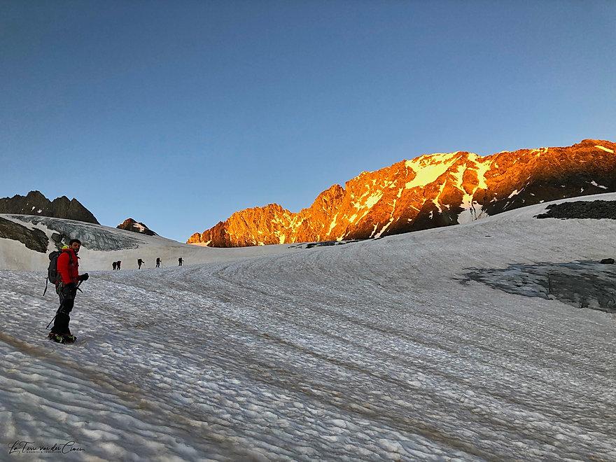 Lever de soleil sur le glacier de Gébroulaz