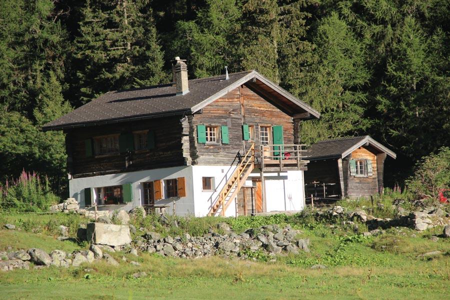 Mazot dans le Val d'Arpette