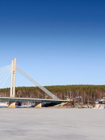 ätkänkynttilä ou Lumberjack's Candle Bridge
