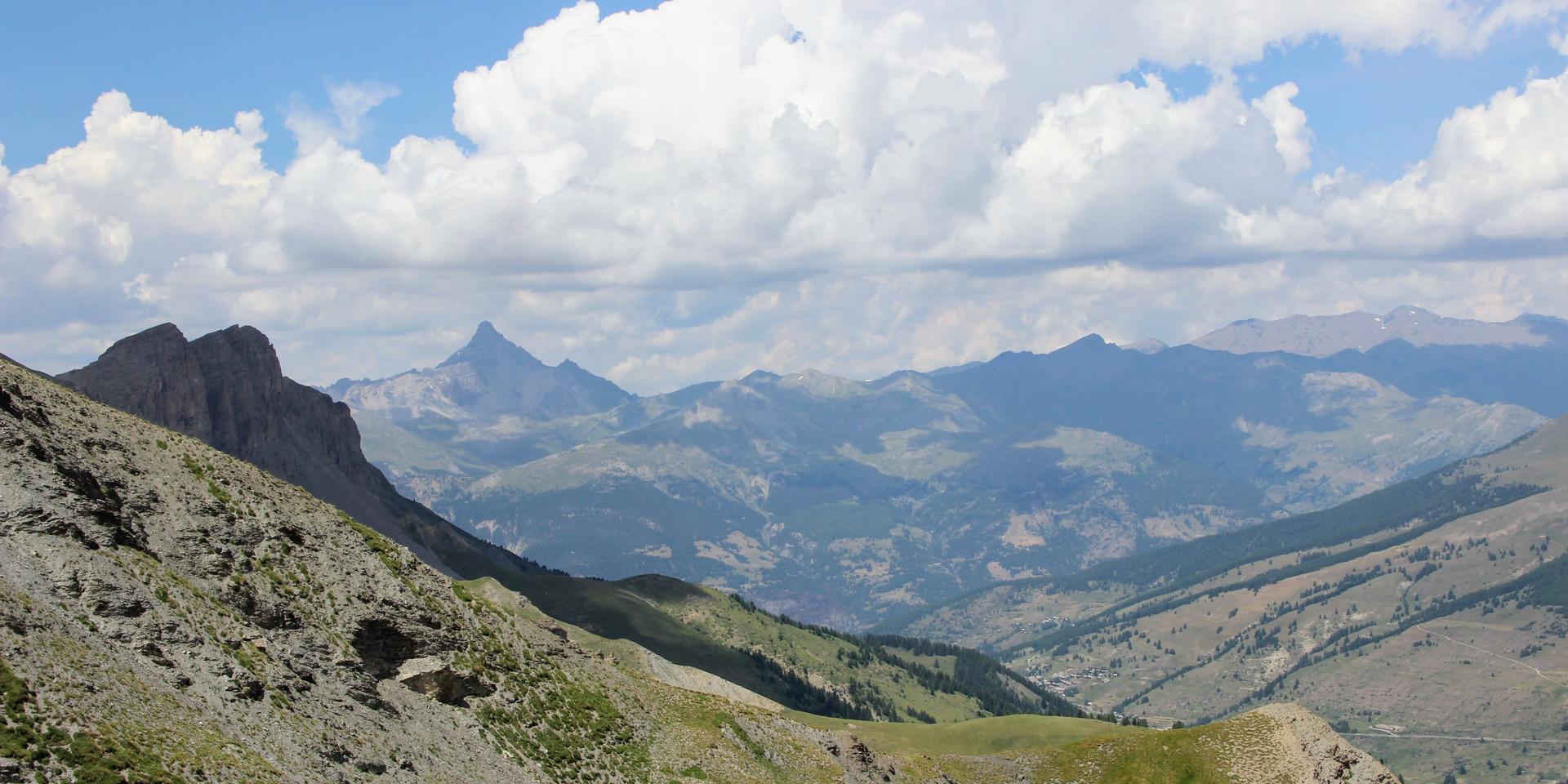 Au loin de pic de Rochebrune (3321 m)