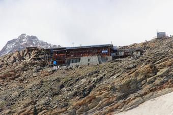 Le refuge Gnifetti (3647 m)