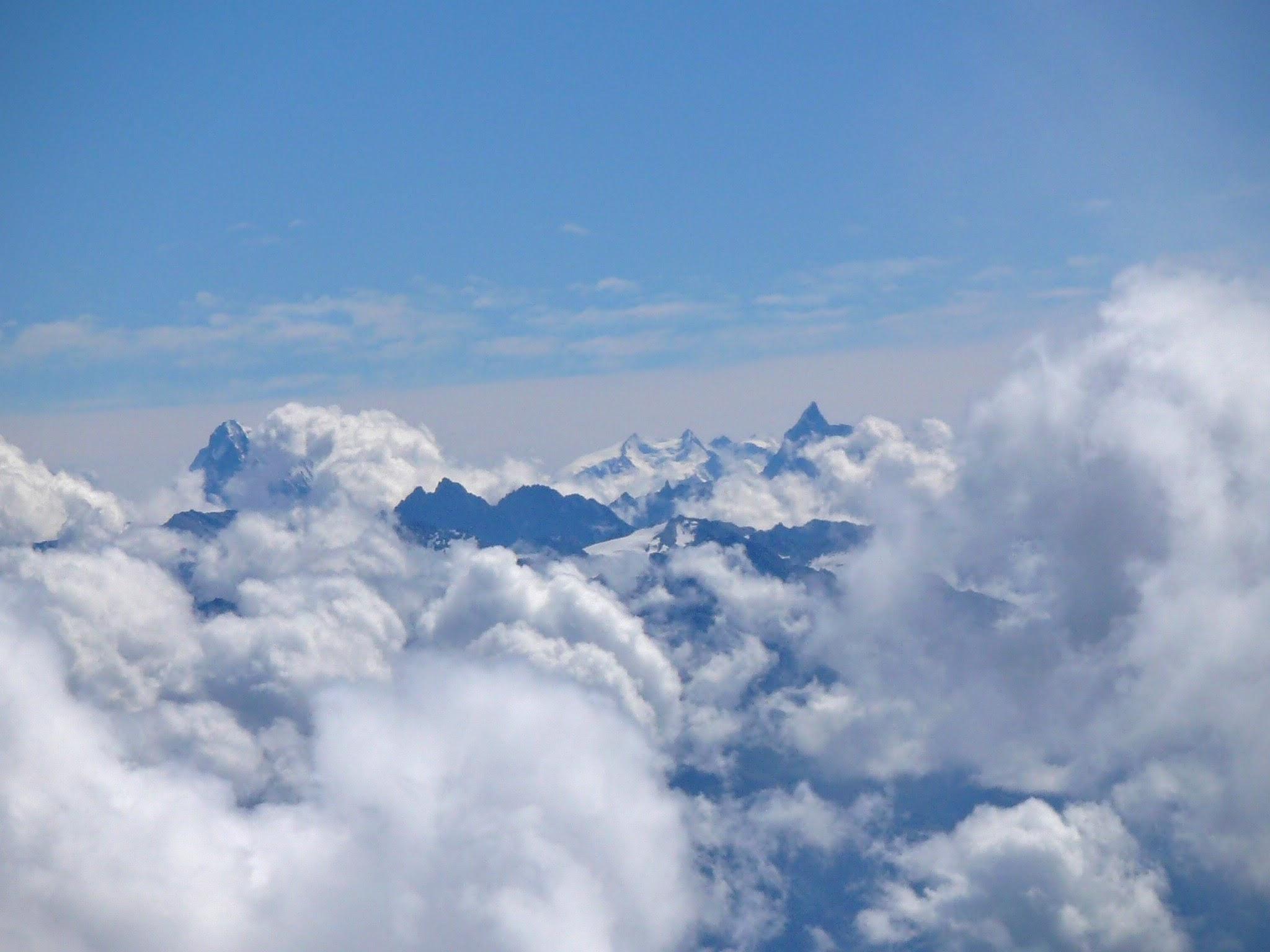 Le Cervin et le Mt Rose au loin
