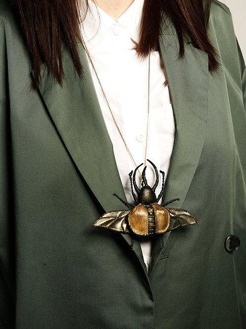 """NATALIA LUBIENIECKA Colar """"Beetle"""""""