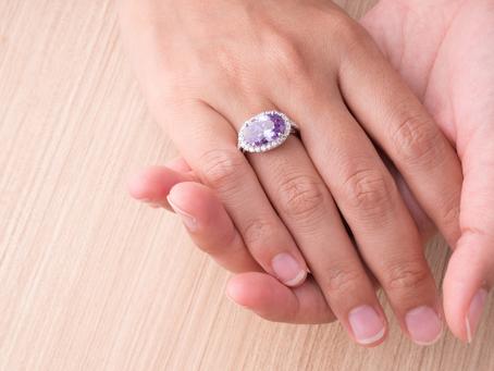 Inspirasi Cincin Tunangan yang Sesuai dengan Zodiak Pasangan