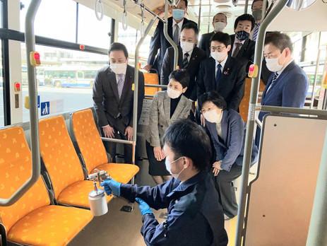 名古屋市は地下鉄・市バス全車両を対象に、車内の抗ウイルス加工を行っています
