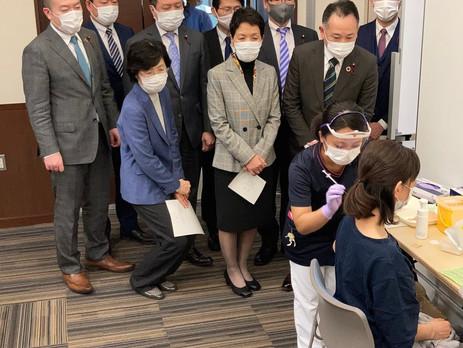 新型コロナワクチンの医療従事者への先行接種が始まっています