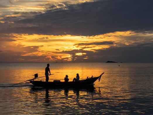 Pêcheur et coucher de soleil 2