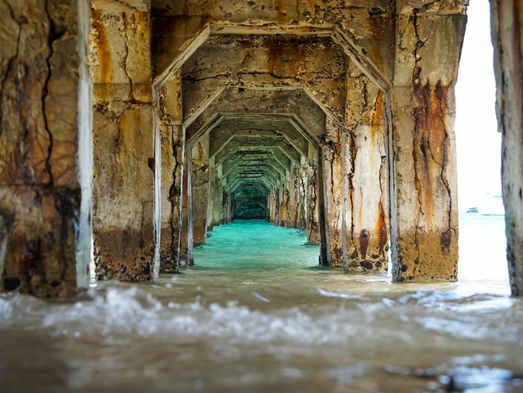 Sous la jetée