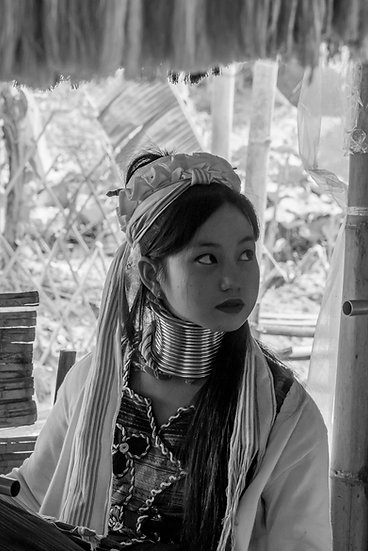 Femme Karen portrait NB