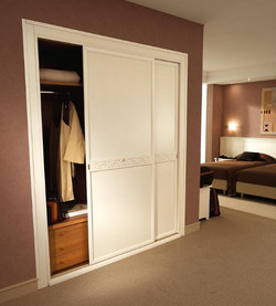 camera-hotel-regina-san-michele--915-gardini-store.jpg