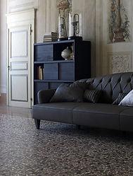 Divano in pelle,divano in capiitonè,divano moderno,vendita divani Padova