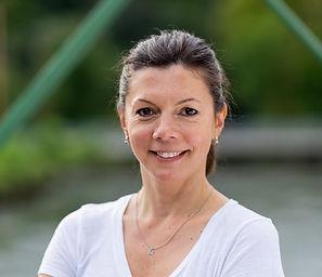 Photo headshot of Cristina Roy