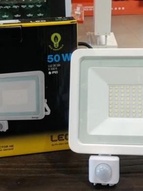 Boomer Lighting - REFLECTOR HE CON SENSOR 50 W