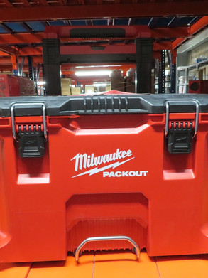 PACKOUT Milwaukee - Caja de almacenamiento y transporte de herramientas