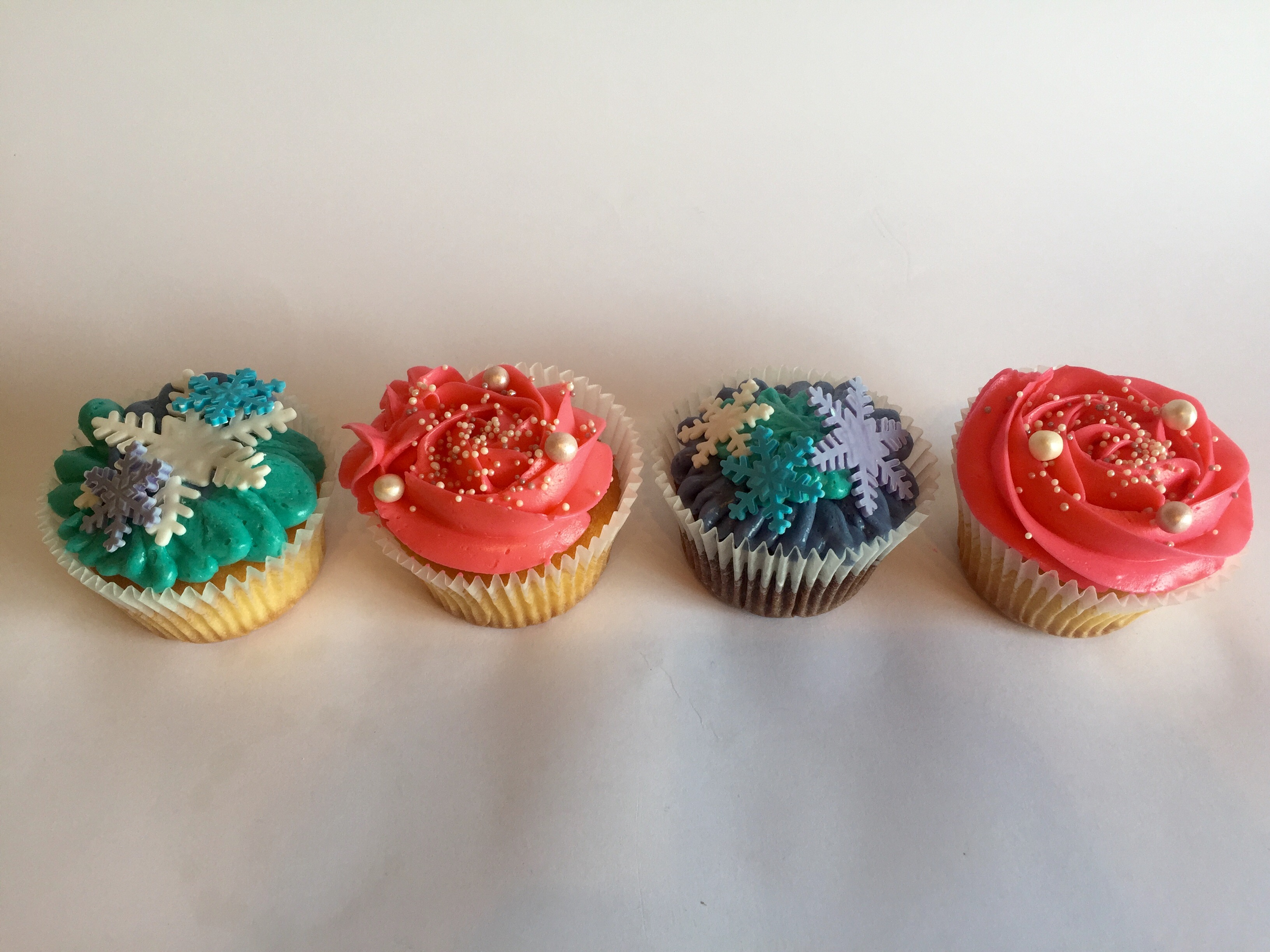 Frozen and Pink Cupcakes
