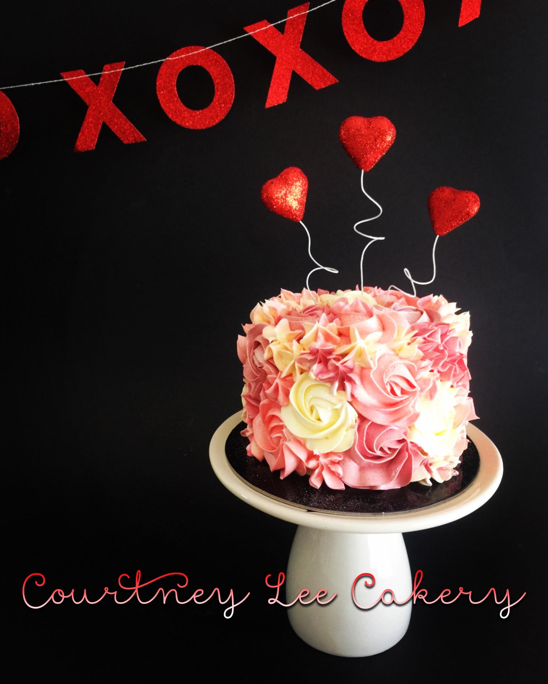 Rosette Mini Couples Cake