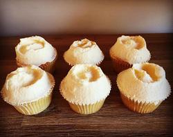 6 Lemon curd cupcakes