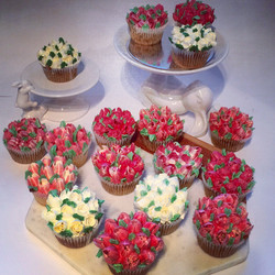 Roses & Tulips Cupcakes