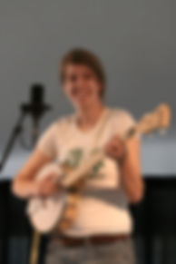 anna-roberts-gevalt banjo.jpg