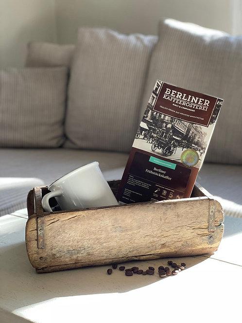 Geschenkkorb Vintage Box mit Kaffee und Becher