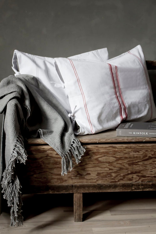 Kissen Farö rot / weiss Vintage Küchenstoff