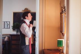 16-sposo-cravatta-specchio.jpg