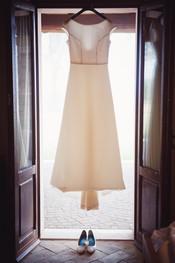 34-abito-sposa-finestra.jpg