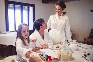 30-sposa-preparazione-colazione-parenti.