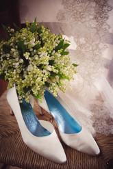 32-sposa-scarpe-bouquet.jpg