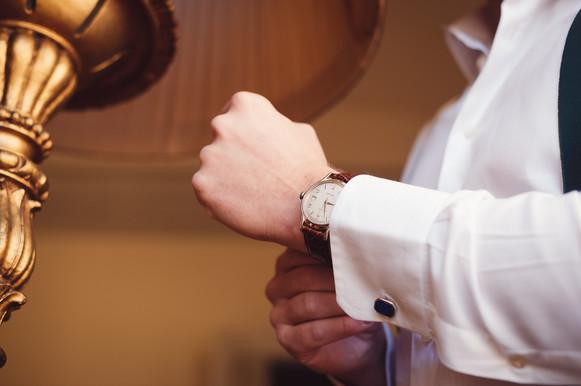 09-orologio-sposo-casa-preparazione.jpg