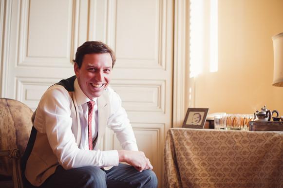 22-sposo-casa-sorriso-preparazione.jpg