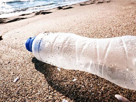 Επιστήμονες δημιούργησαν Ένζυμο Που Τρώει Πλαστικά Μπουκάλια