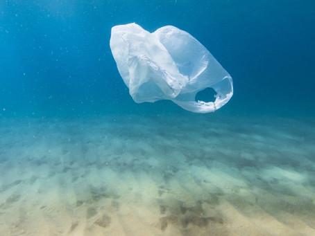 Στα 0,09 ευρώ από το 2019 το τέλος πλαστικής σακούλας