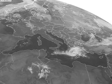 Ένας κυκλώνας, αλλά όχι τροπικός, πλήττει σήμερα την Κρήτη