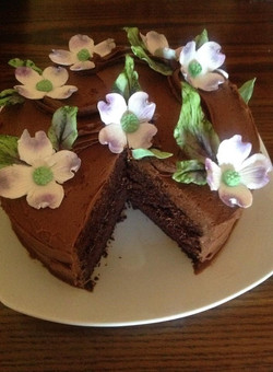 Kaula Cake w/ Dogwood Sugar Flowers