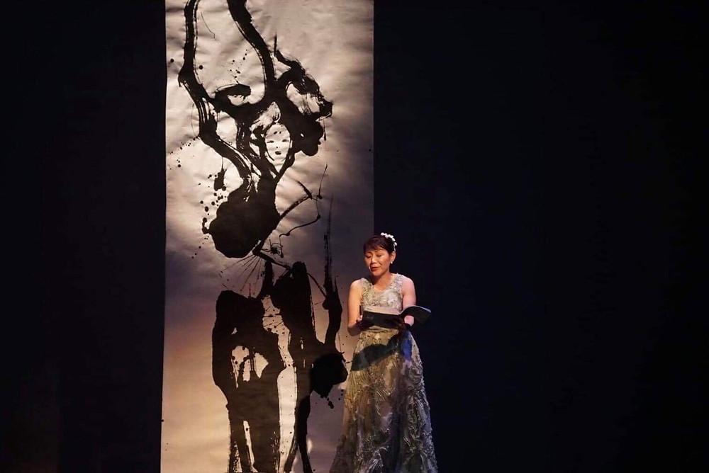 学園前ホールで公演の吉野二人静の舞台絵を制作しました。