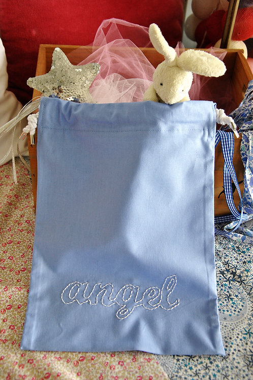 GARNMENT BAG WITH EMBROIDERED WORD