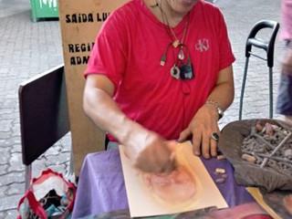 #TôNaFeira: desenhista retrata visitantes da Feira de São Cristóvão há dez anos