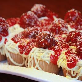 mock spaghetti and meatballs cupcakes