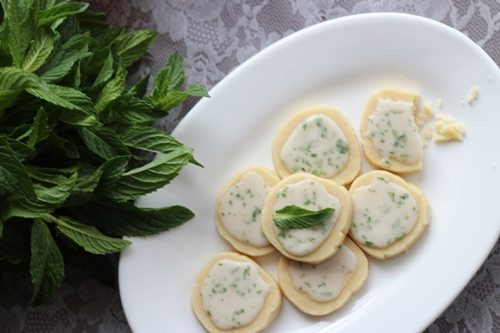Mint Julep Shortbread Cookies