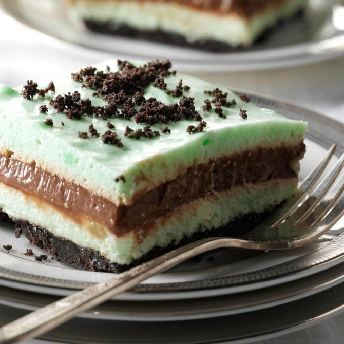 5 Creamy, Minty, Boozy Desserts for National Creme De Menthe Day