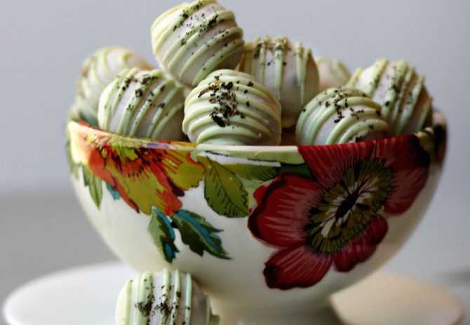 Boozy Ball Highlight: Mint Julep Twisted Truffles