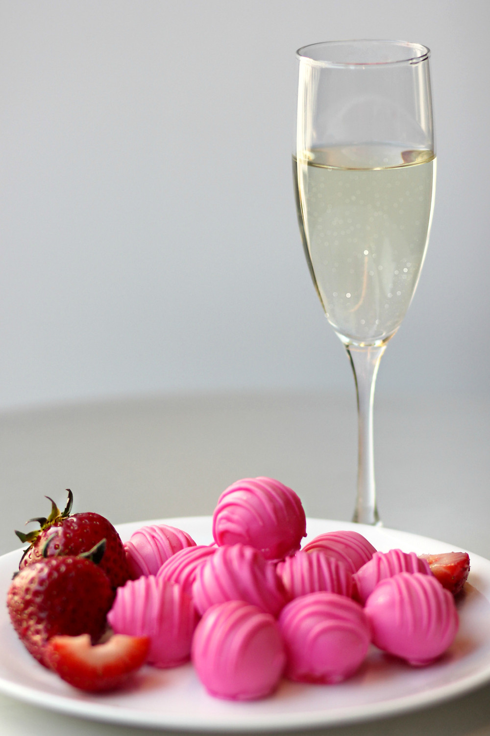 Strawberries and Sparkles Cake Ball
