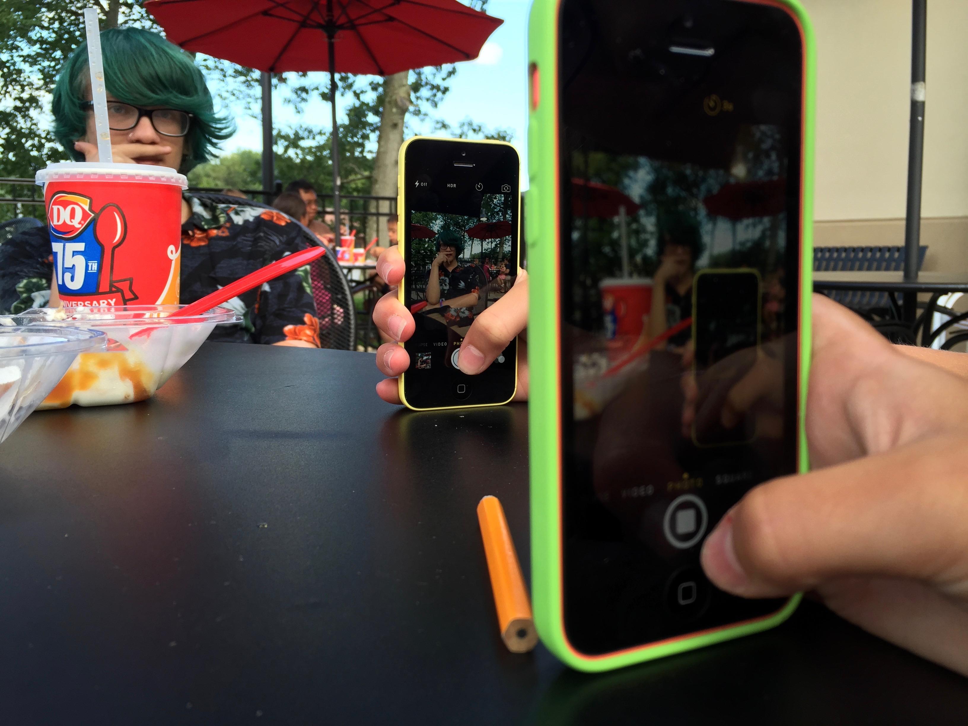Iphone 3^